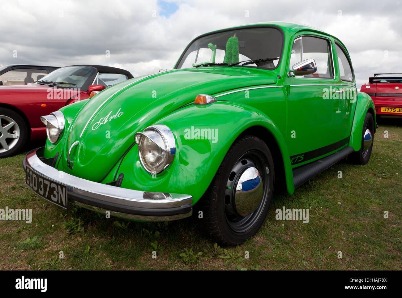 three quarter front view of a green  1974 volkswagen green volkswagen beetle for sale green volkswagen beetle southport ct