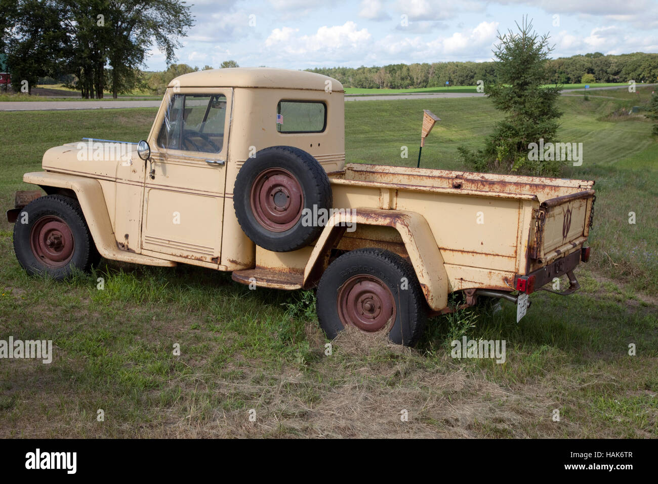 old vintage willys jeep pickup truck for sale at pixie woods sales stock photo 127041623 alamy. Black Bedroom Furniture Sets. Home Design Ideas