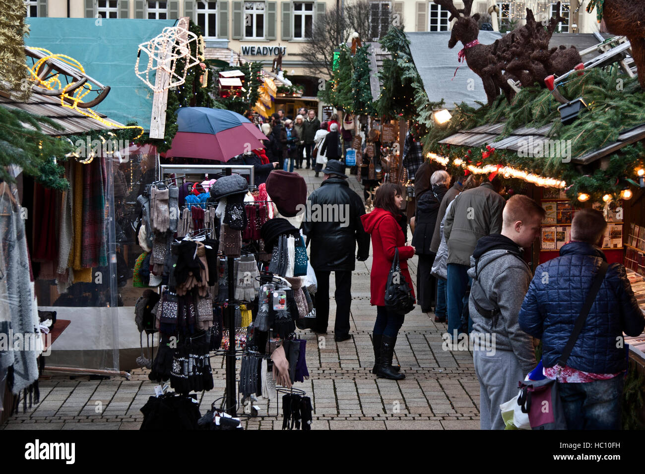 Christmas craft market at Ludwigsberg, Germany, shoppers at Stock ...