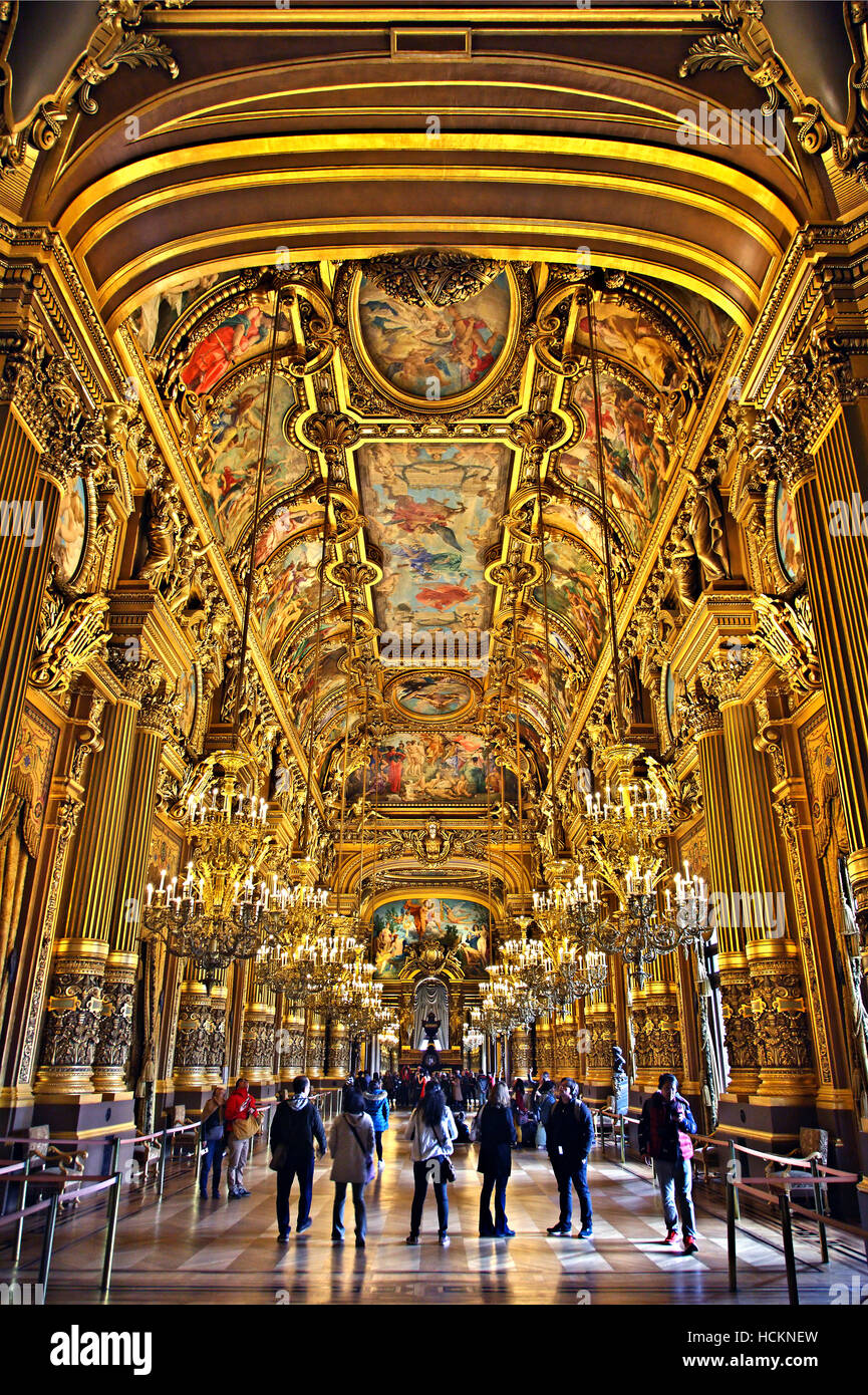 The Grand Foyer Palais Garnier : The grand foyer in palais garnier national opera house