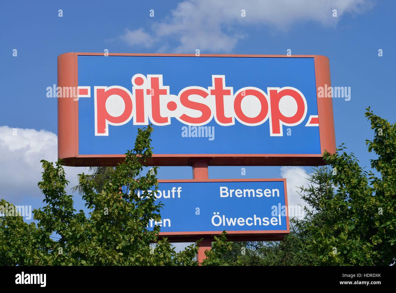 pit stop johannisthaler chaussee gropiusstadt neukoelln berlin stock photo 128978939 alamy. Black Bedroom Furniture Sets. Home Design Ideas