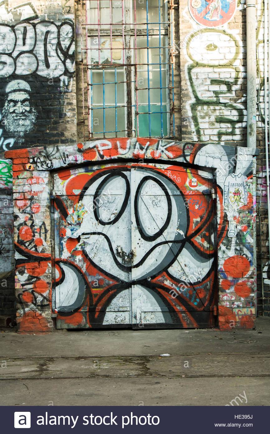 U2 graffiti wall location - City Graffiti Berlin Walls Urban Street Art At Raw Area Friedrichshain Colourful Graffiti Art