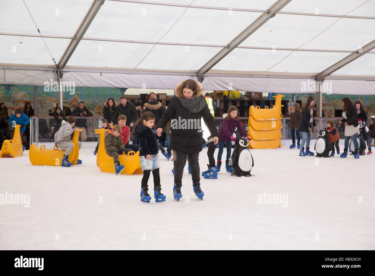 sidcup uk 18th dec 2016 families ice skate and enjoy the