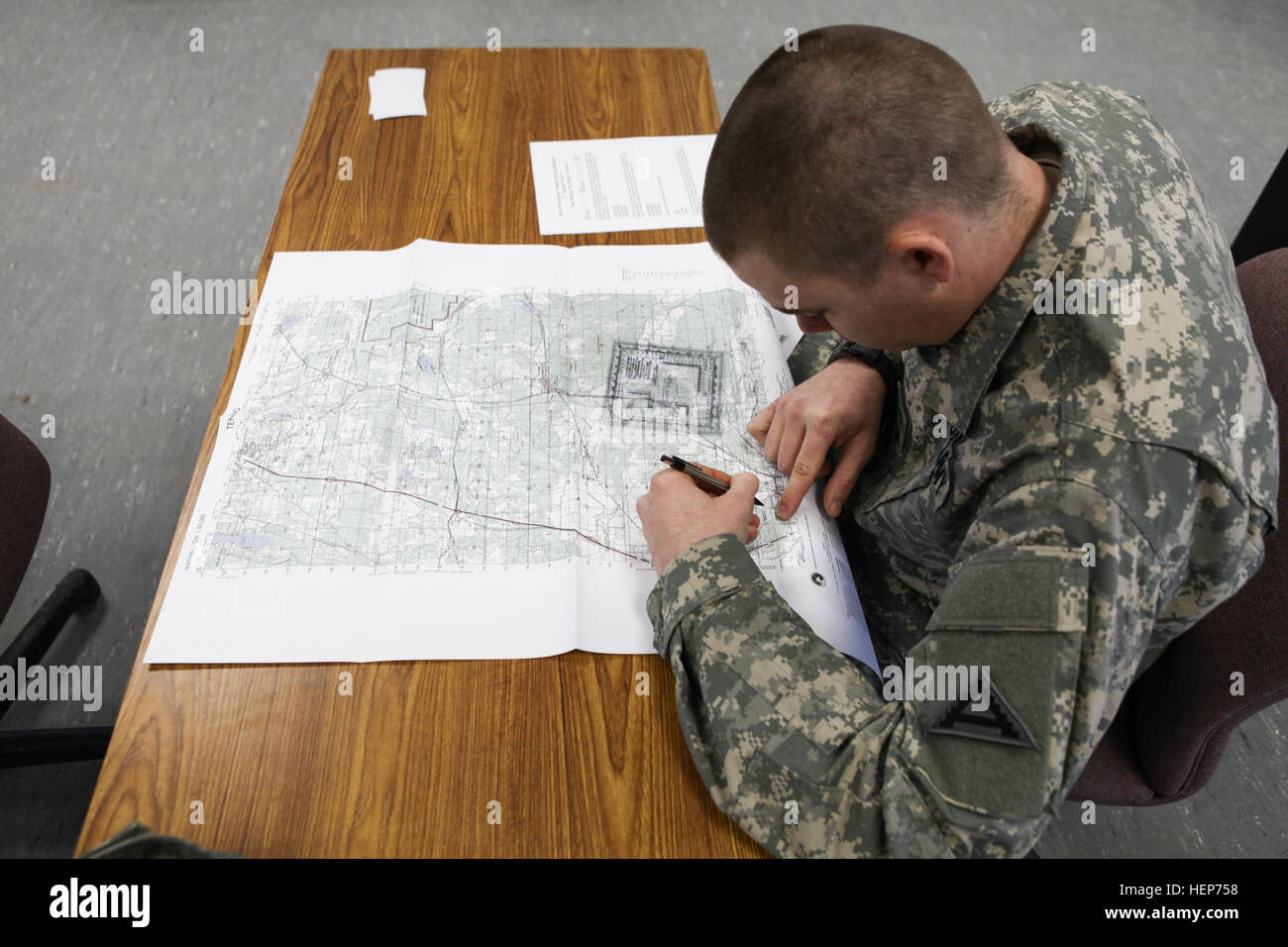 US Army Spc Matthew Morris Of Charlie Company St Battalion - Us army map reading