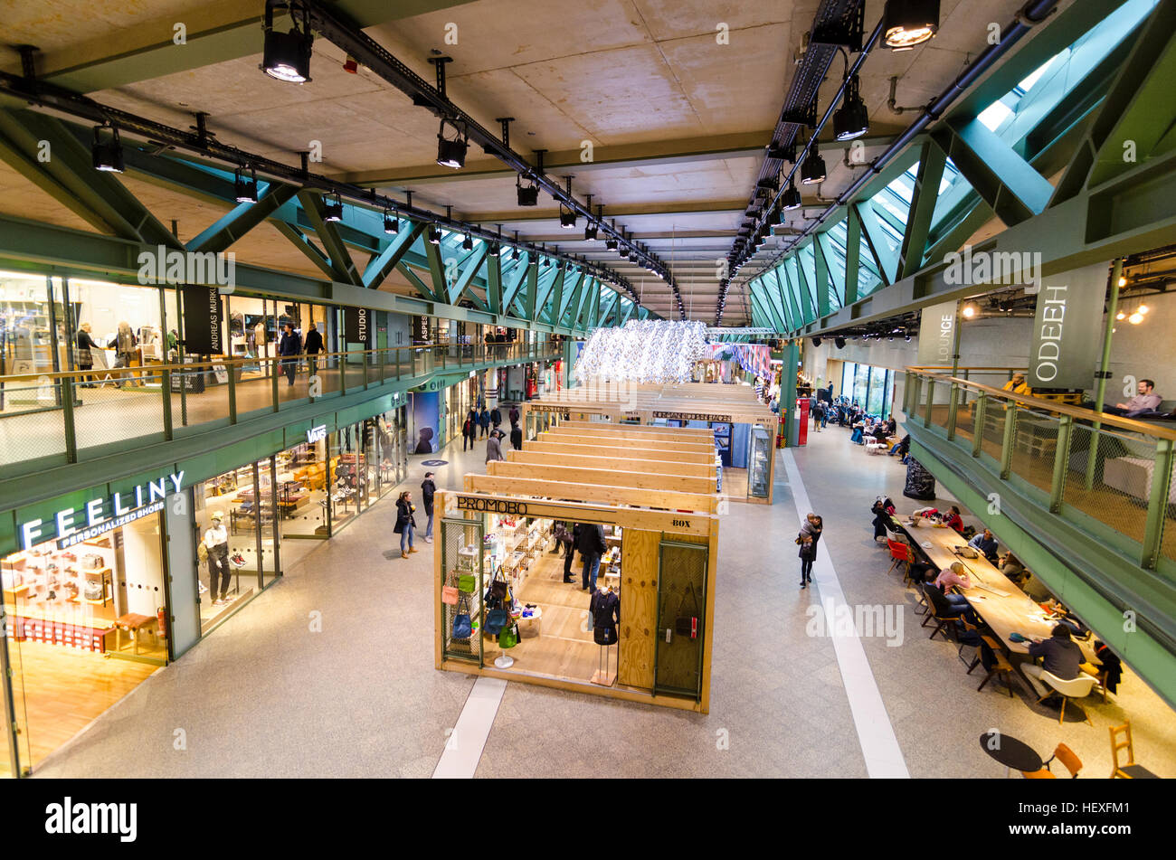 Pop-up stores and shops in Bikini Berlin, shopping mall or ...
