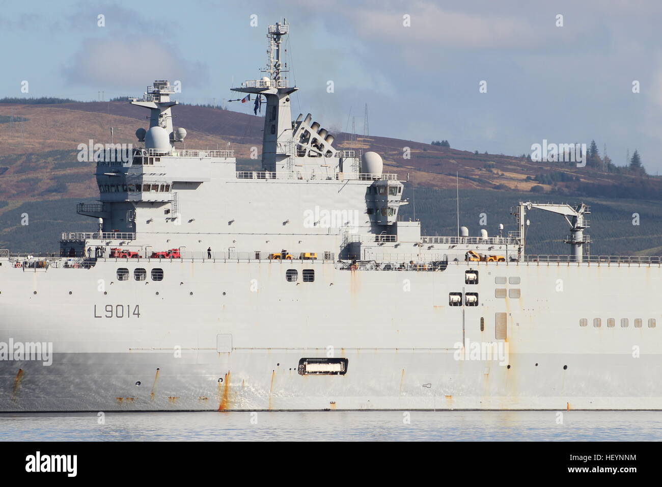fs tonnerre l9014 a mistral class assault ship of the french navy
