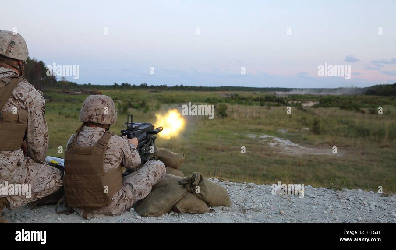 http://c8.alamy.com/comp/HF1G3T/a-marine-with-bridge-company-8th-engineer-support-battalion-2nd-marine-HF1G3T.jpg