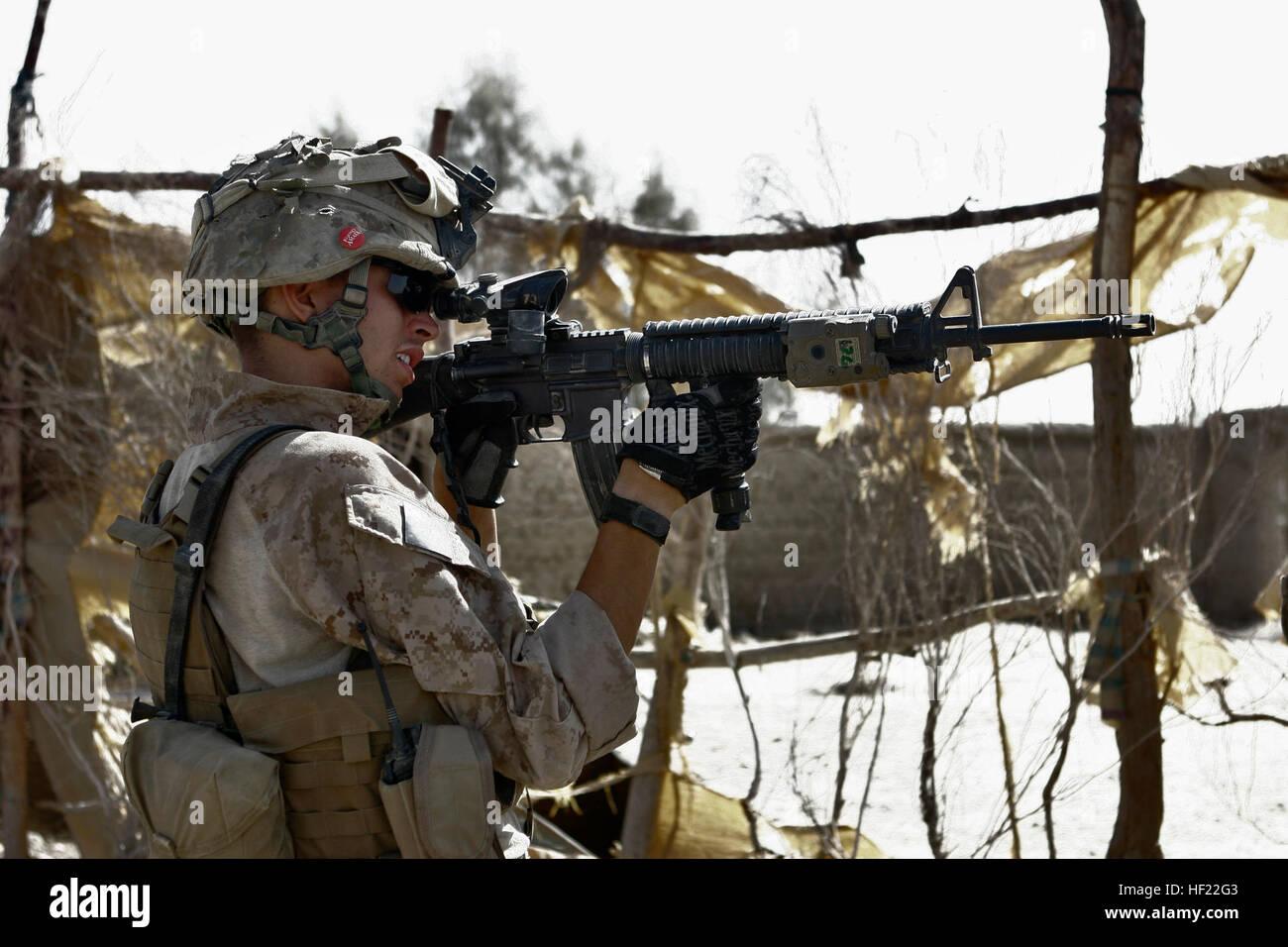 Marines With 1st Platoon Stock Photos & Marines With 1st Platoon ...