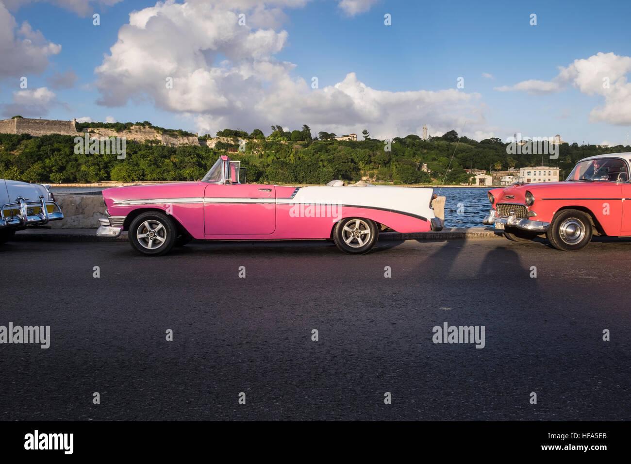 Classic old american cars parked, La Havana, Cuba Stock Photo ...