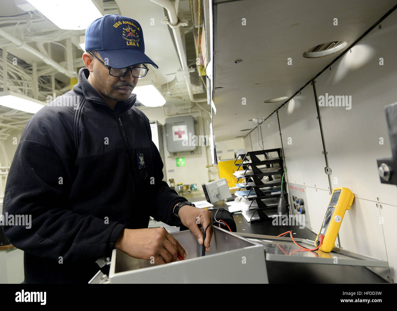 U.S. Navy Interior Communications Electrician 2nd Class Allen ...