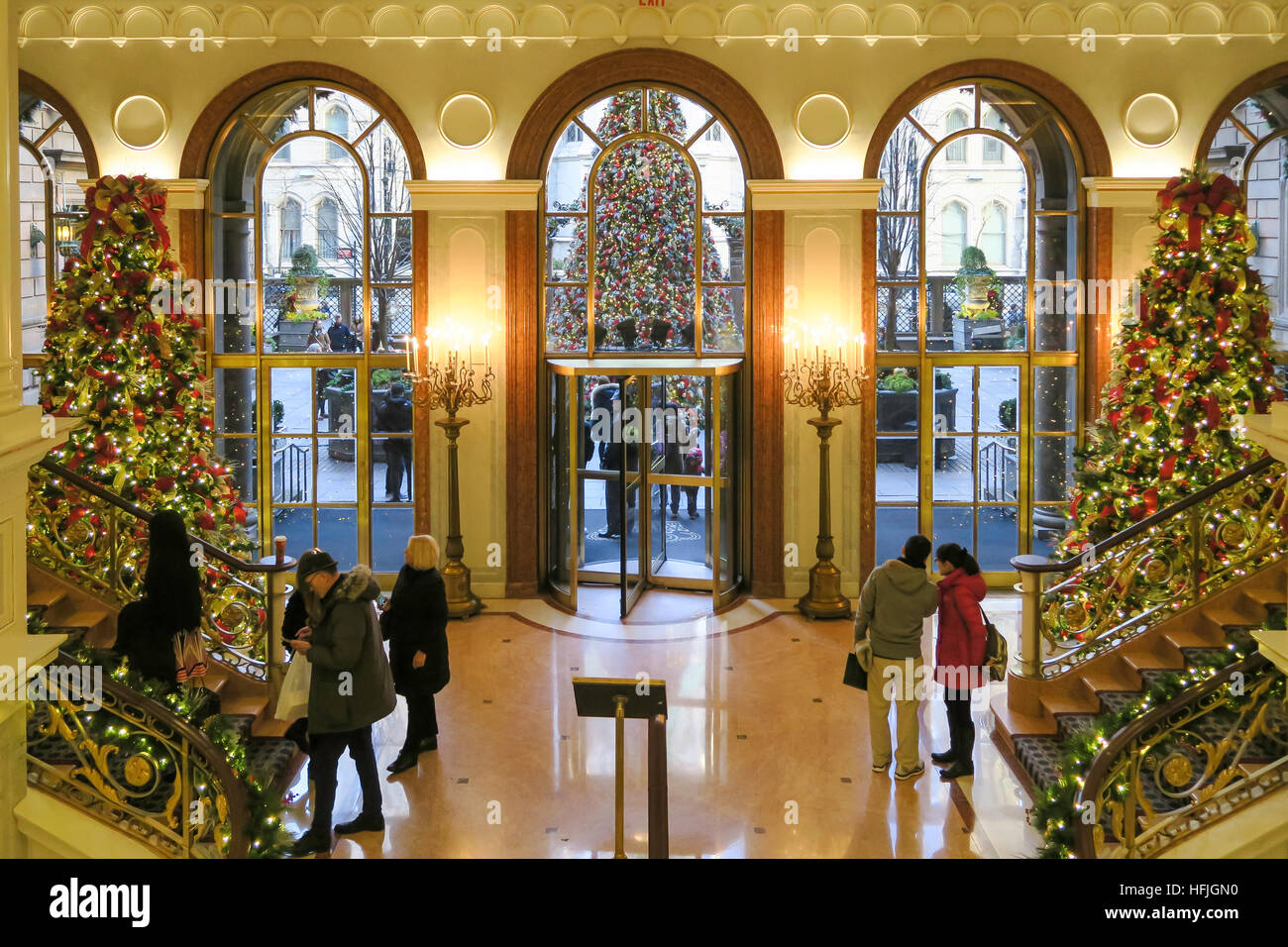 Holiday decorations at the lotte new york palace hotel for When does new york start decorating for christmas