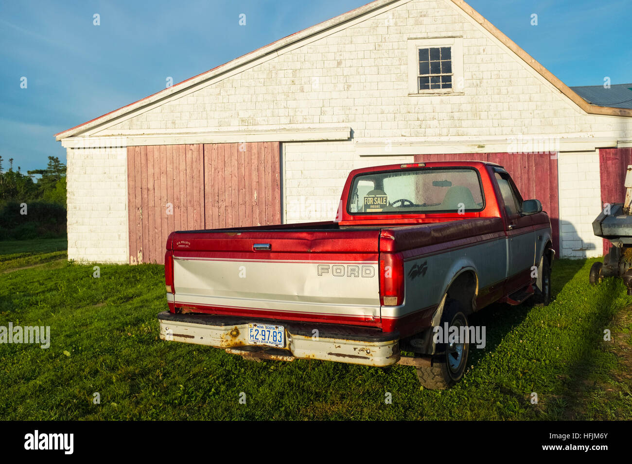 old ford pickup truck Stock Photo: 130103427 - Alamy