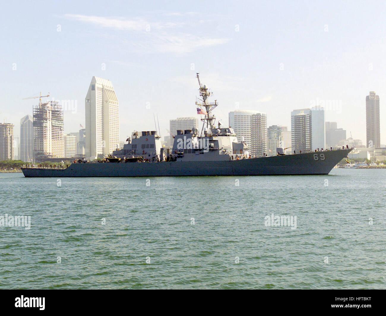 Esamir International News Network - Page 22 Starboard-side-view-of-the-us-navy-usn-arleigh-burke-class-flight-HFTBKT