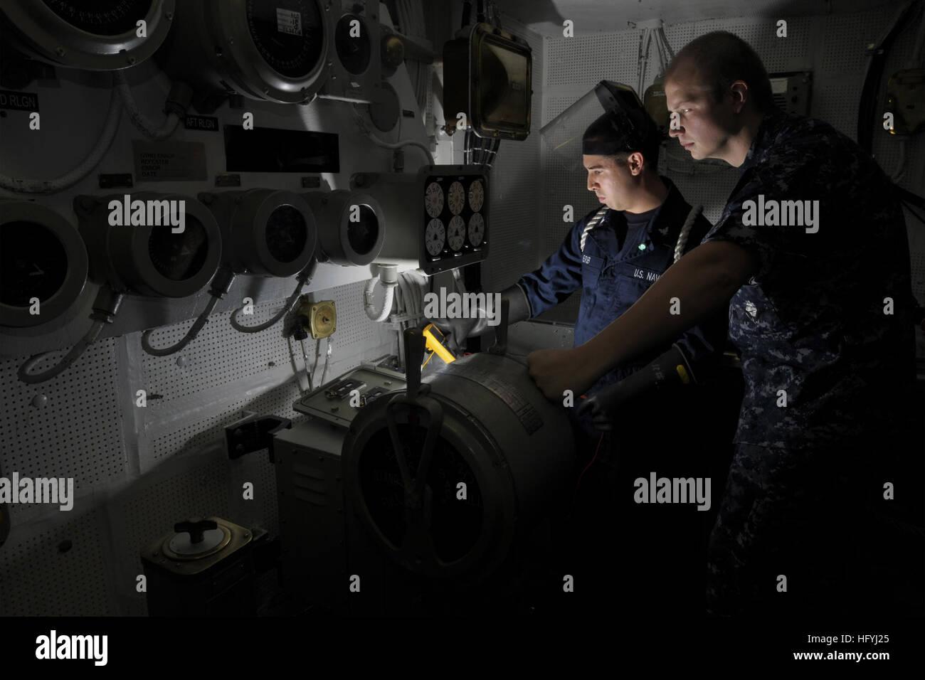 101215 N 7422B 060 PACIFIC OCEAN (Dec. 15, 2010) Interior Communications  Specialist 3rd Class Adam Erb And Interior Communications Specialist 2nd  Class Alan ...