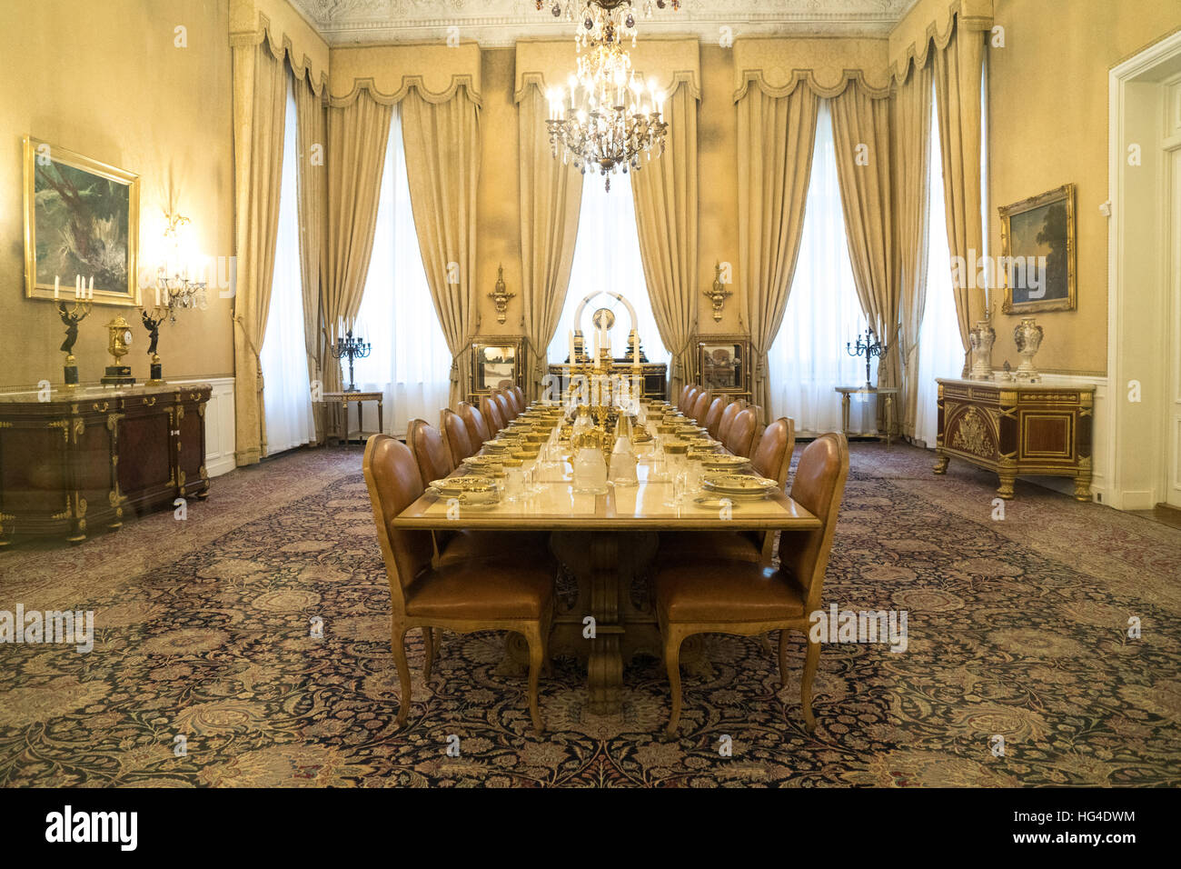 dining room, white palace, the last shah's summer palace, sa'ad