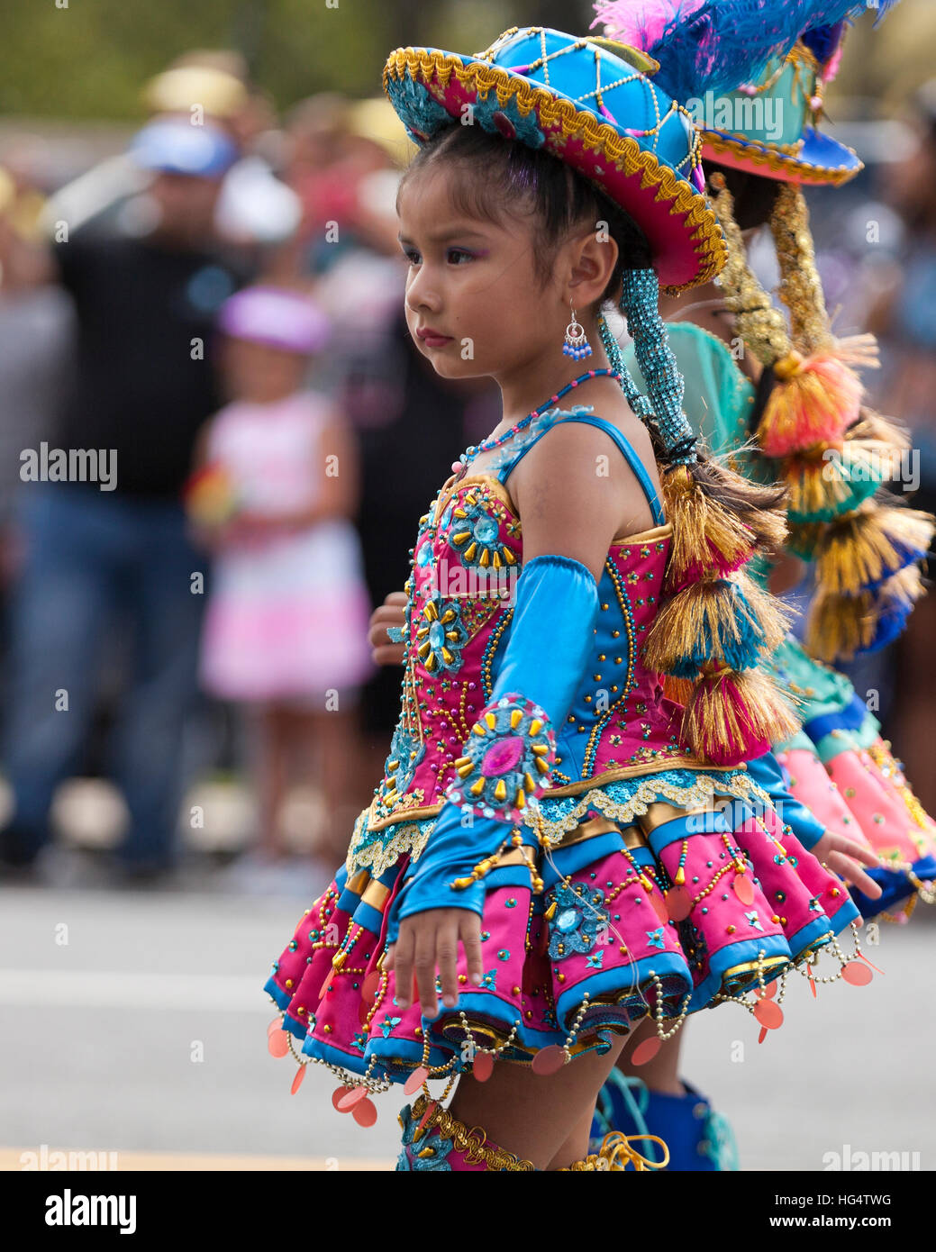 tinku a bolivian folk dance Understanding bolivian folk music prior to your arrival  the love of music and dance is unwavering no matter where you are traveling  tinku, cueca, cumbia and.