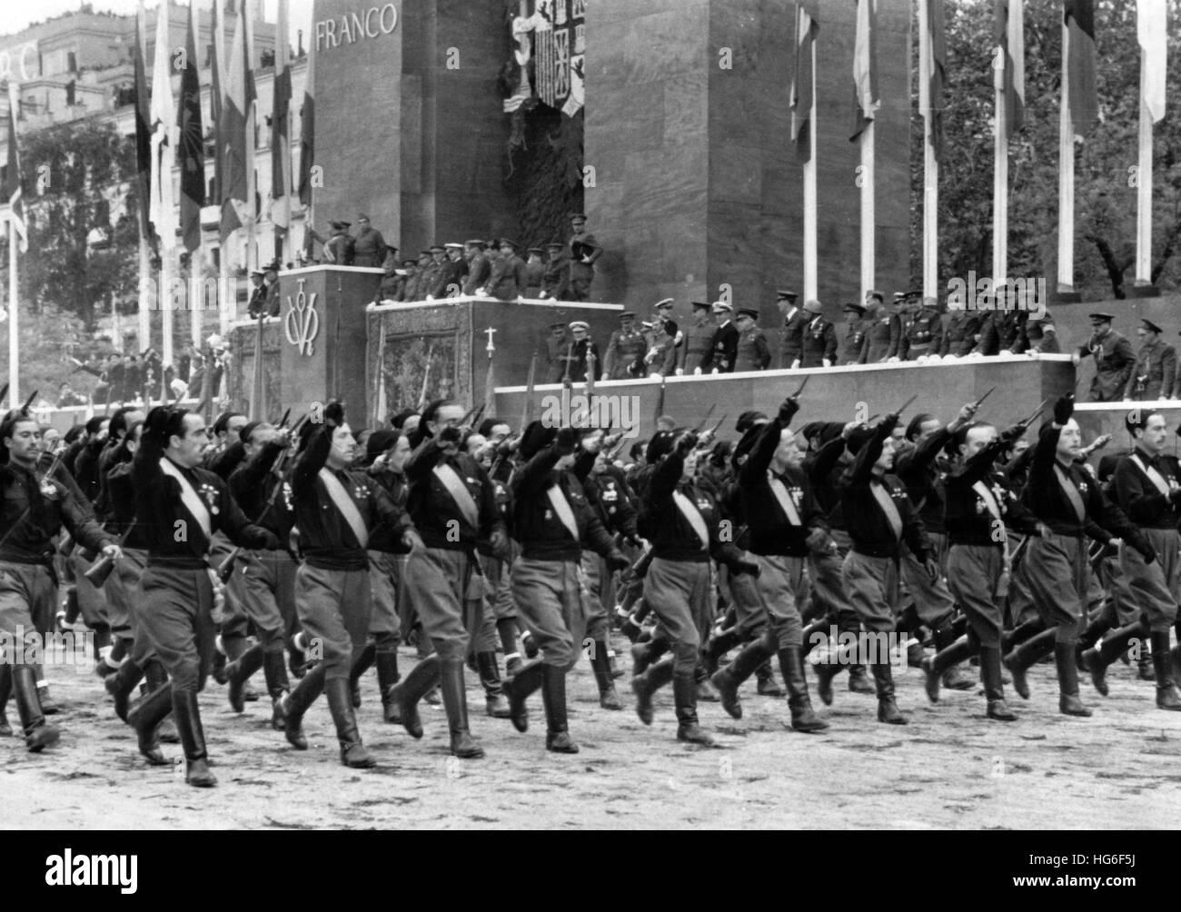 The Nazi propaganda picture shows the march of fascist militia ...