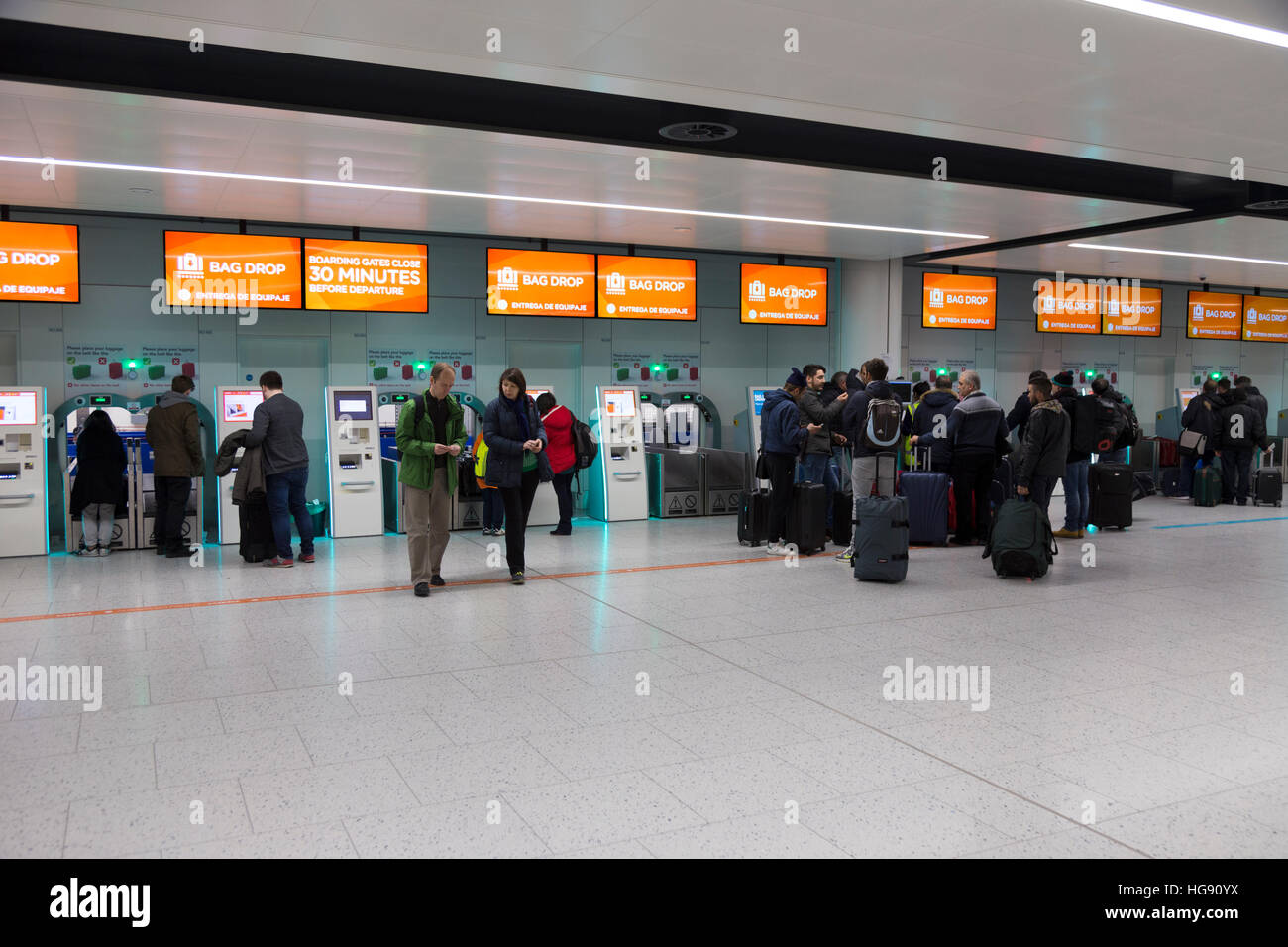 check in easyjet gatwick to milan - photo#2