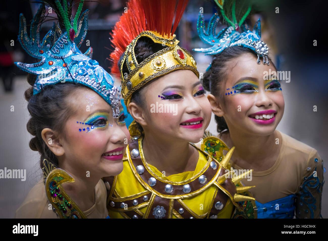 Hmong American New Year celebrations, celebrating Hmong ...
