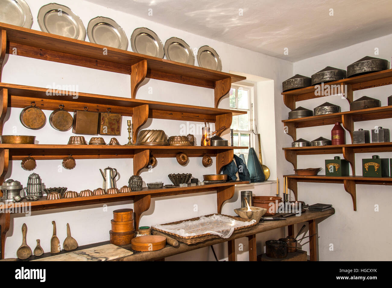 Colonial Williamsburg Governor\'s Palace kitchen pantry Stock Photo ...