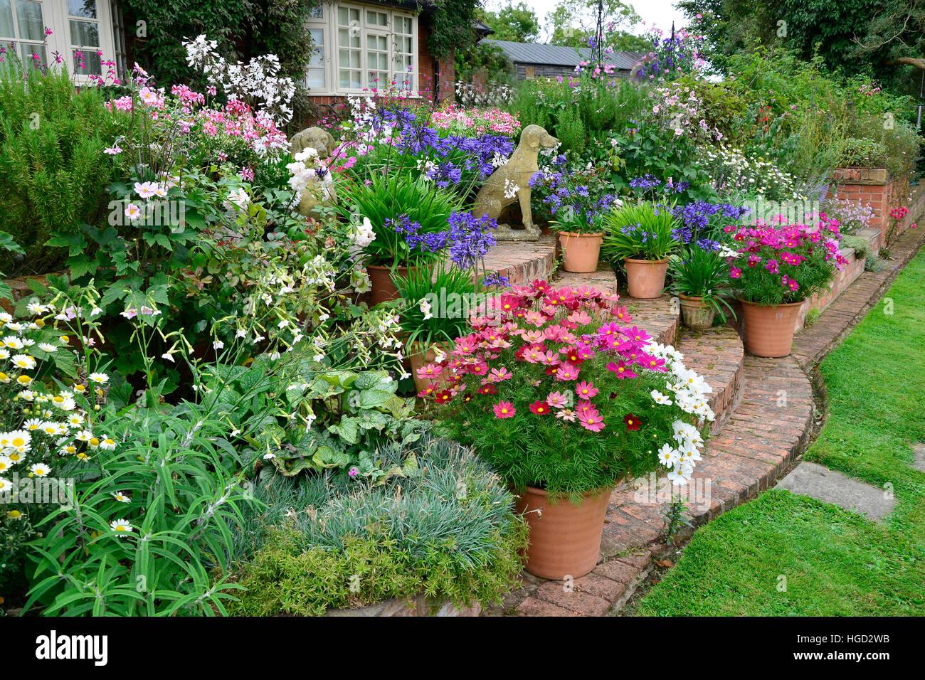 Uncategorized flowerbeds purecolonsdetoxreviews home design for Terrace garden meaning