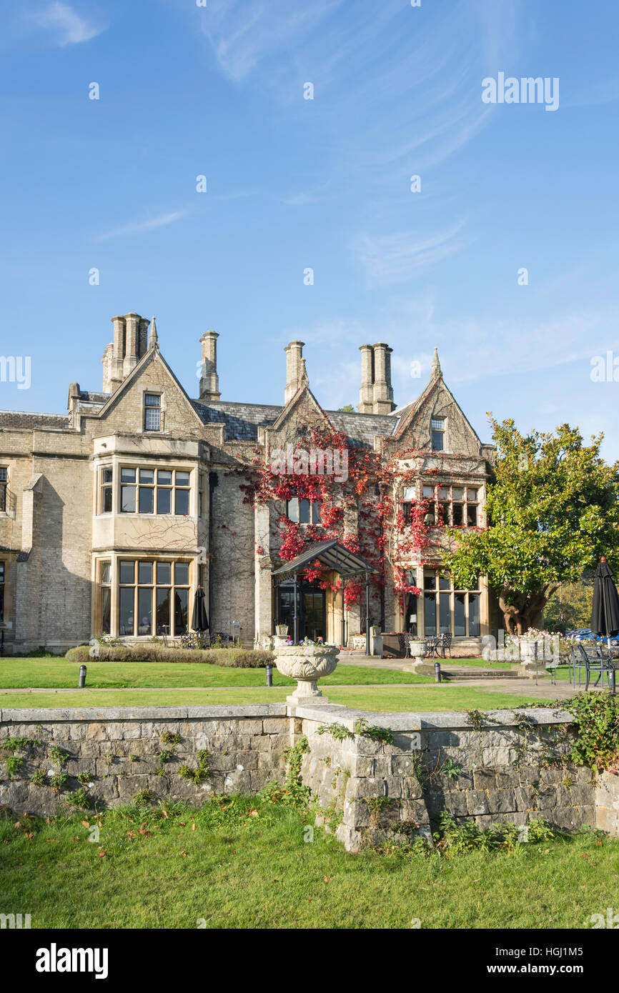 Victorian manor house at foxhills club resort stonehill for Victorian manor house