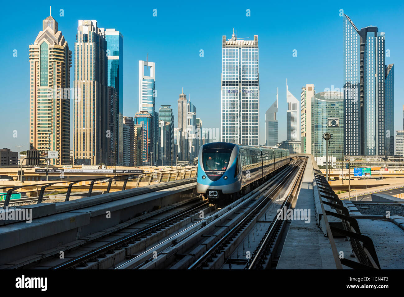 dubai metro The red line is one of the two lines on the dubai metro network in dubai, united arab emiratesthe first section was inaugurated on 9 september 2009 construction was declared complete on 28.