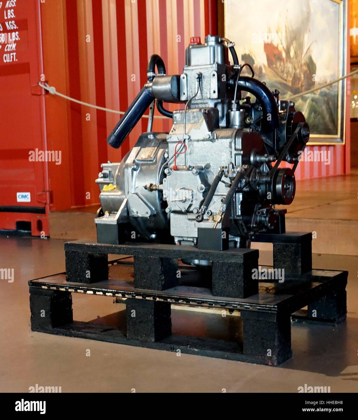 Yanmar marine diesel engine model sb 12 12hp manufactured in japan 1976