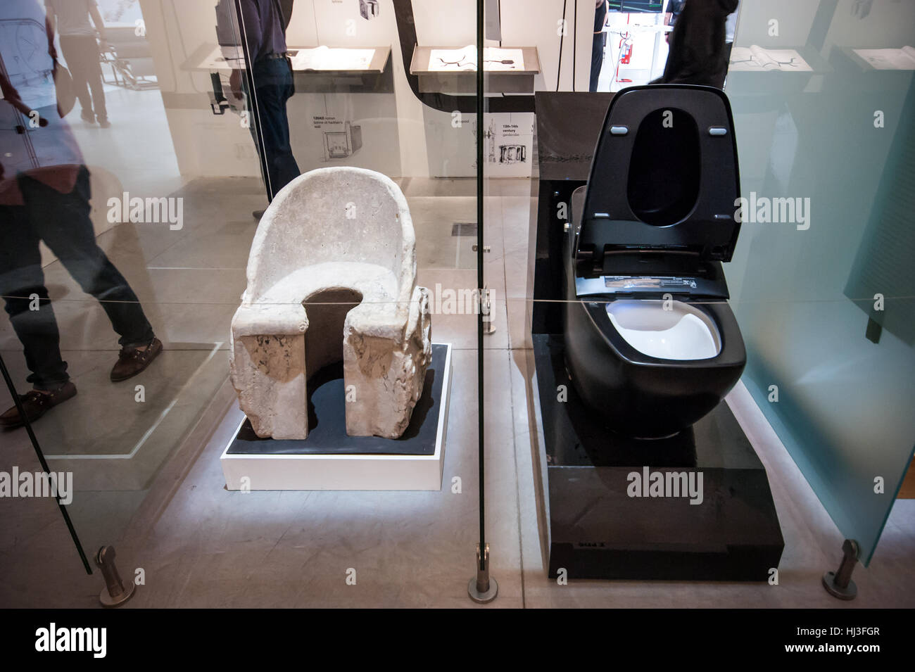 A latrine found in the Baths of Caracalla in Rome and an ultra ...