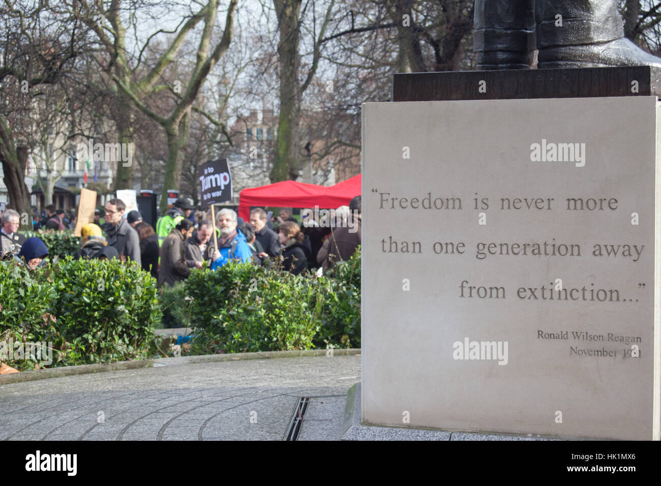 4th February, 2017. Regan Statue And Quote On Freedom At 4th Feb 2017  London March Against Donald Trump Credit: Pauline A Yates/Alamy Live News