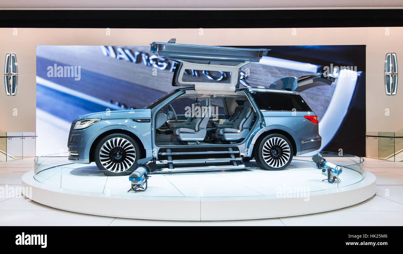 Gull Wing Doors And Concertina Steps On The Lincoln Navigator