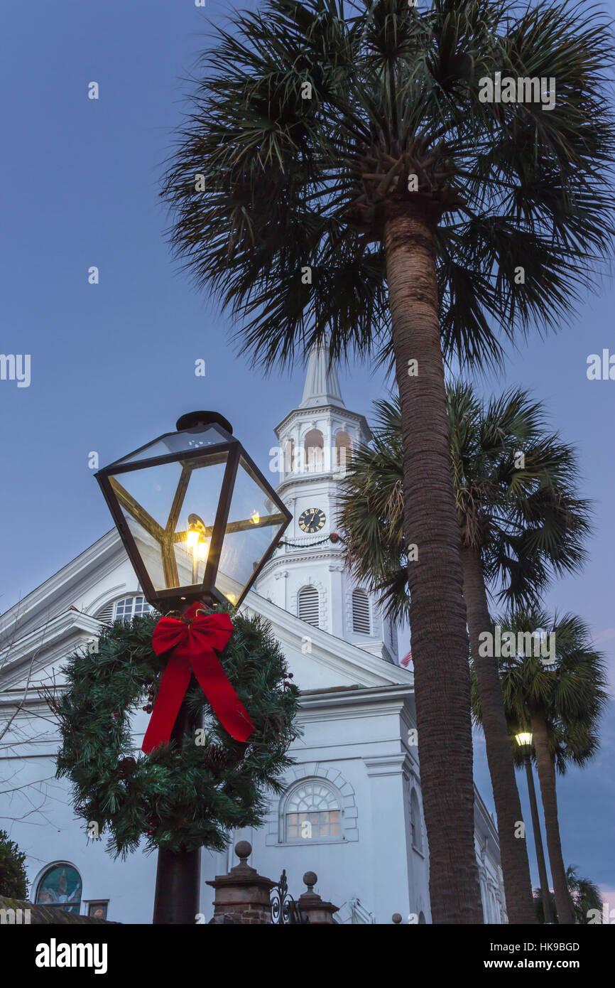 christmas wreath on gas lantern saint michaels church spire charleston south carolina usa - Michaels Christmas Wreaths