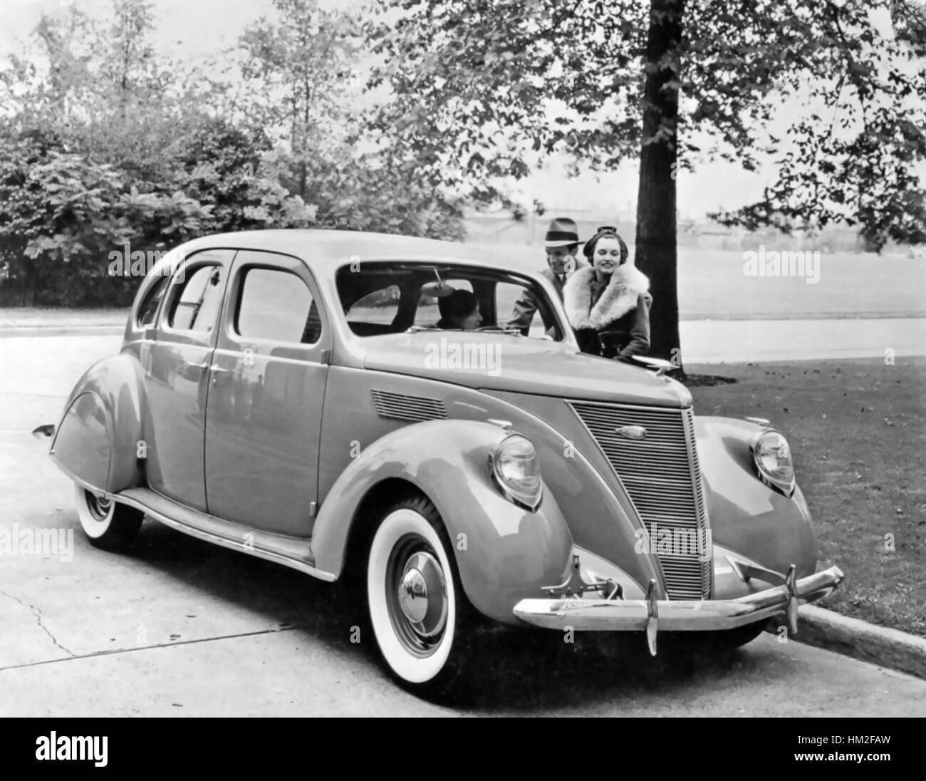 Lincoln zephyr 1936 the first year of production photo ford motor company