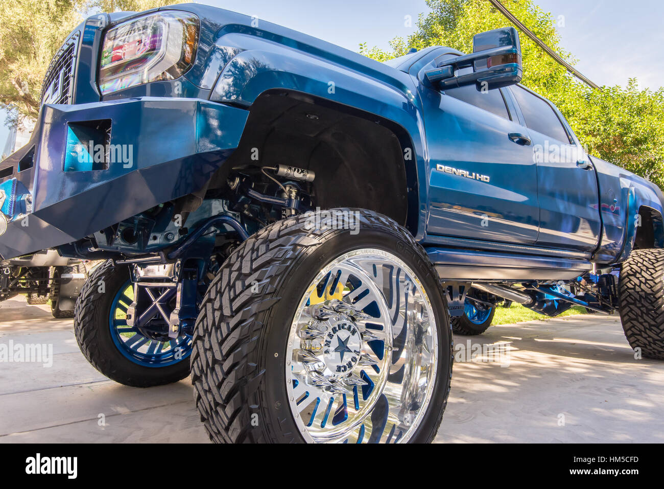 gmc denali hd by customized gmc sierra 2500 denali hd customized truck at sema