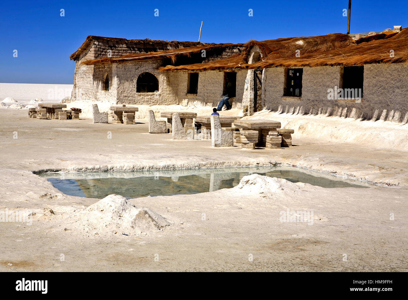 Salt hotel salar de uyuni bolivia stock photo royalty for Salar de uyuni hotel made of salt