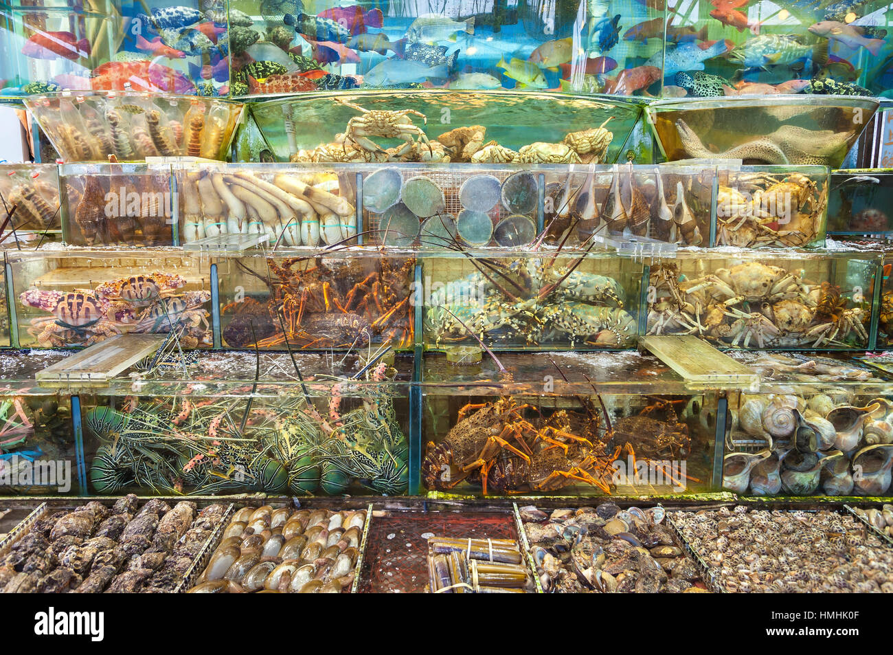 Live seafood outside a restaurant in sai kung hong kong for Fish market restaurant nyc