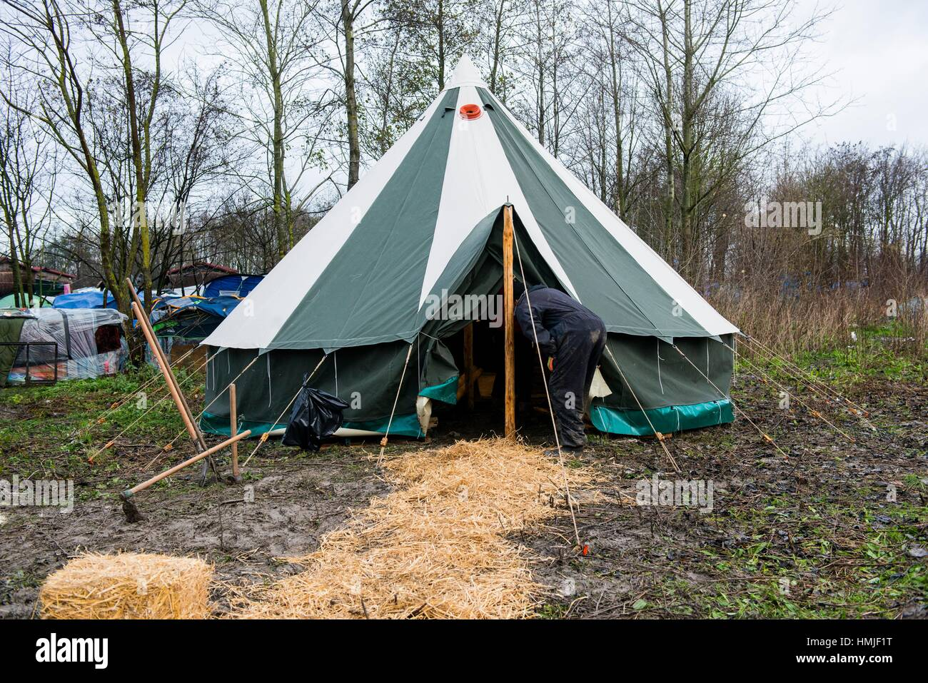 Newly build tent donated by volunteers in The Jungle & Dunkerque France. Newly build tent donated by volunteers in The ...