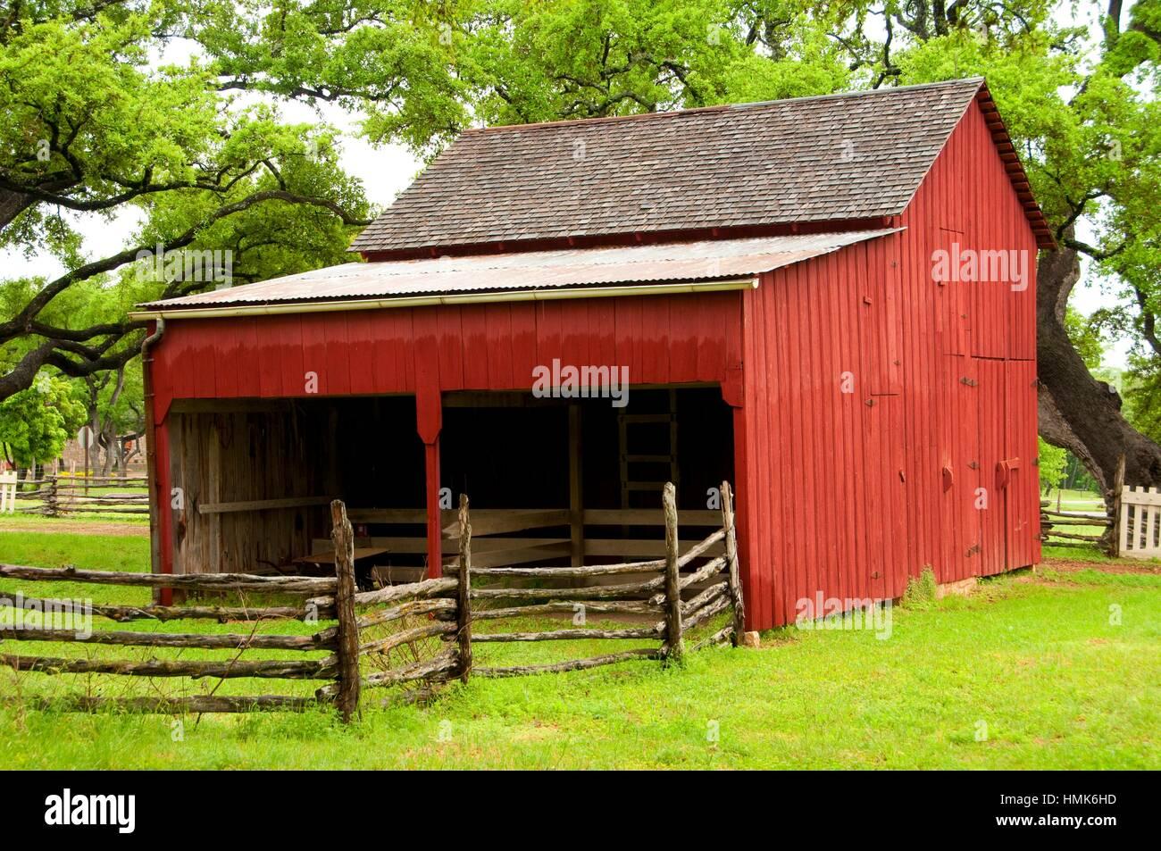 Lbj boyhood home barn lyndon b johnson national historical park lbj boyhood home barn lyndon b johnson national historical park texas publicscrutiny Image collections