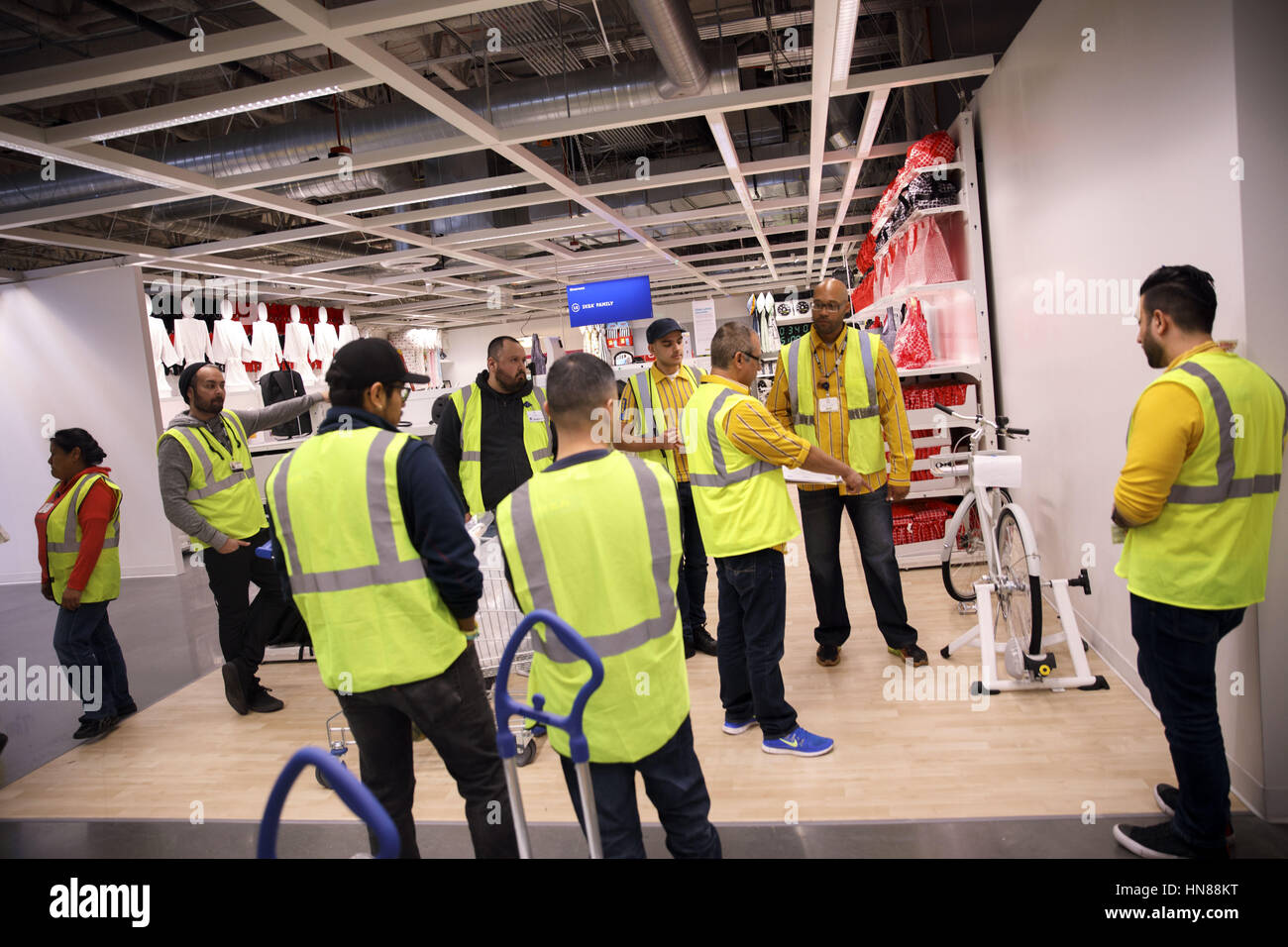 Burbank, CA, USA. 1st Feb, 2017. Asa Heath, Deputy Store Manager Speaks To  Employees About The SLADDA Bicycle During A Preview Of The New IKEA Burbank  Home ...