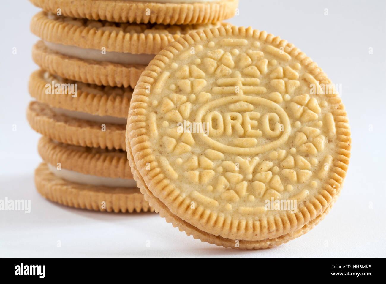 White Chocolate Golden Oreo Pie