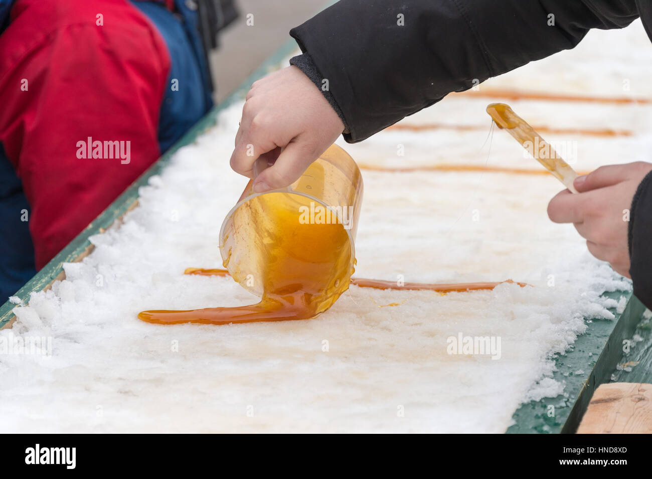 how to make maple sugar snow candy