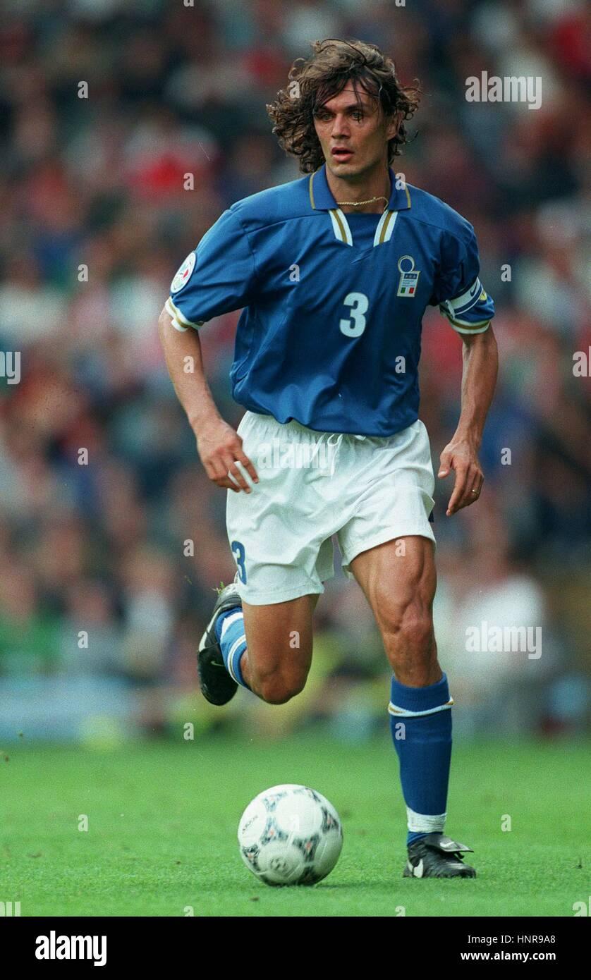 PAOLO MALDINI ITALY & AC MILAN FC 13 June 1996 Stock