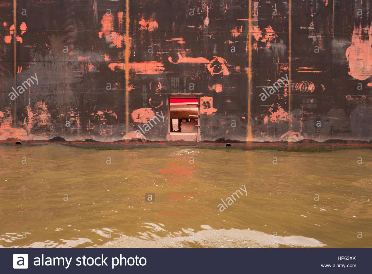Hull floating dry dock window door dirty sea water - Stock Image & Floating Door Stock Photos u0026 Floating Door Stock Images - Alamy pezcame.com