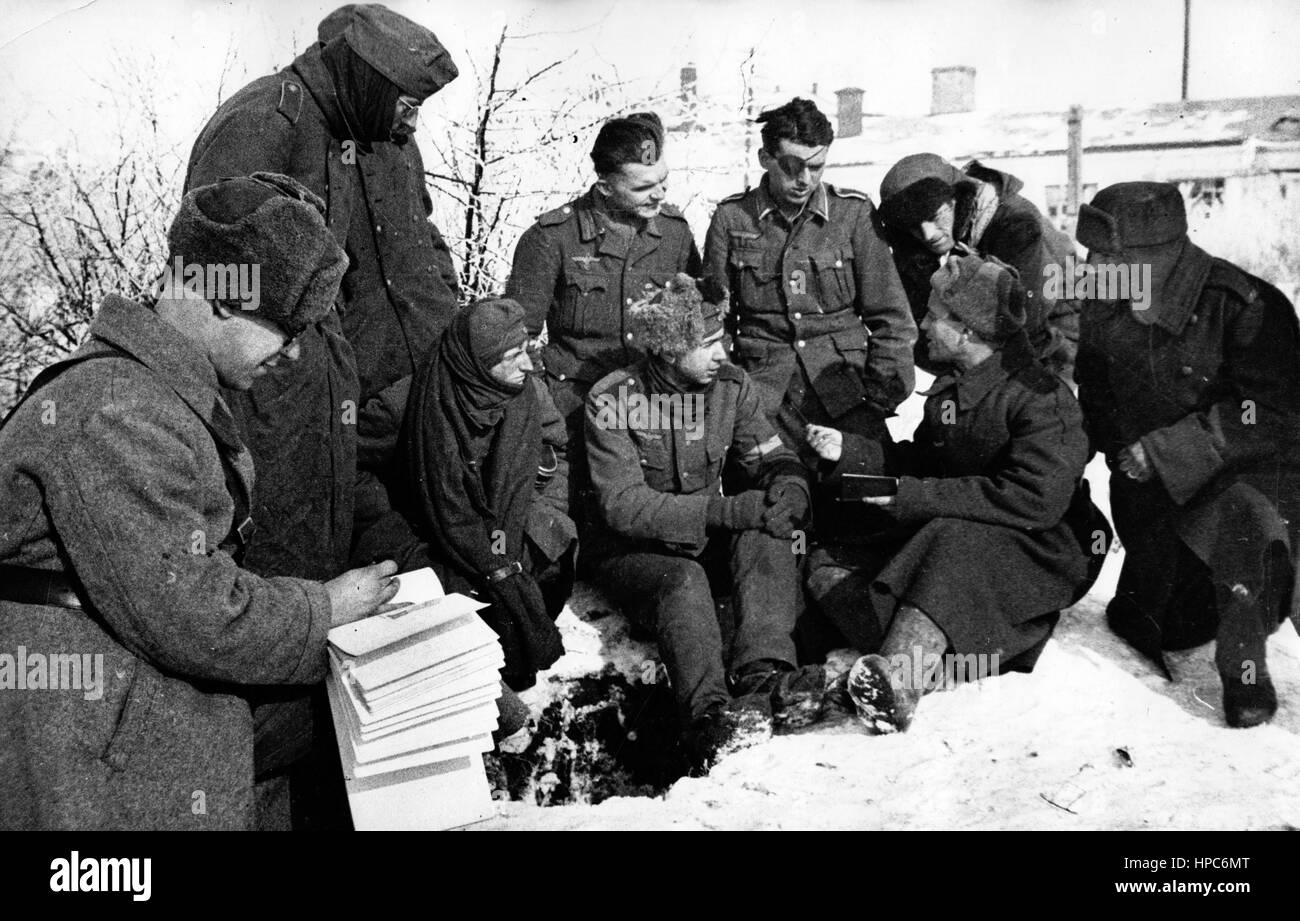 Soldiers of german wehrmacht c and red army talk in stalingrad soldiers of german wehrmacht c and red army talk in stalingrad soviet union sciox Image collections