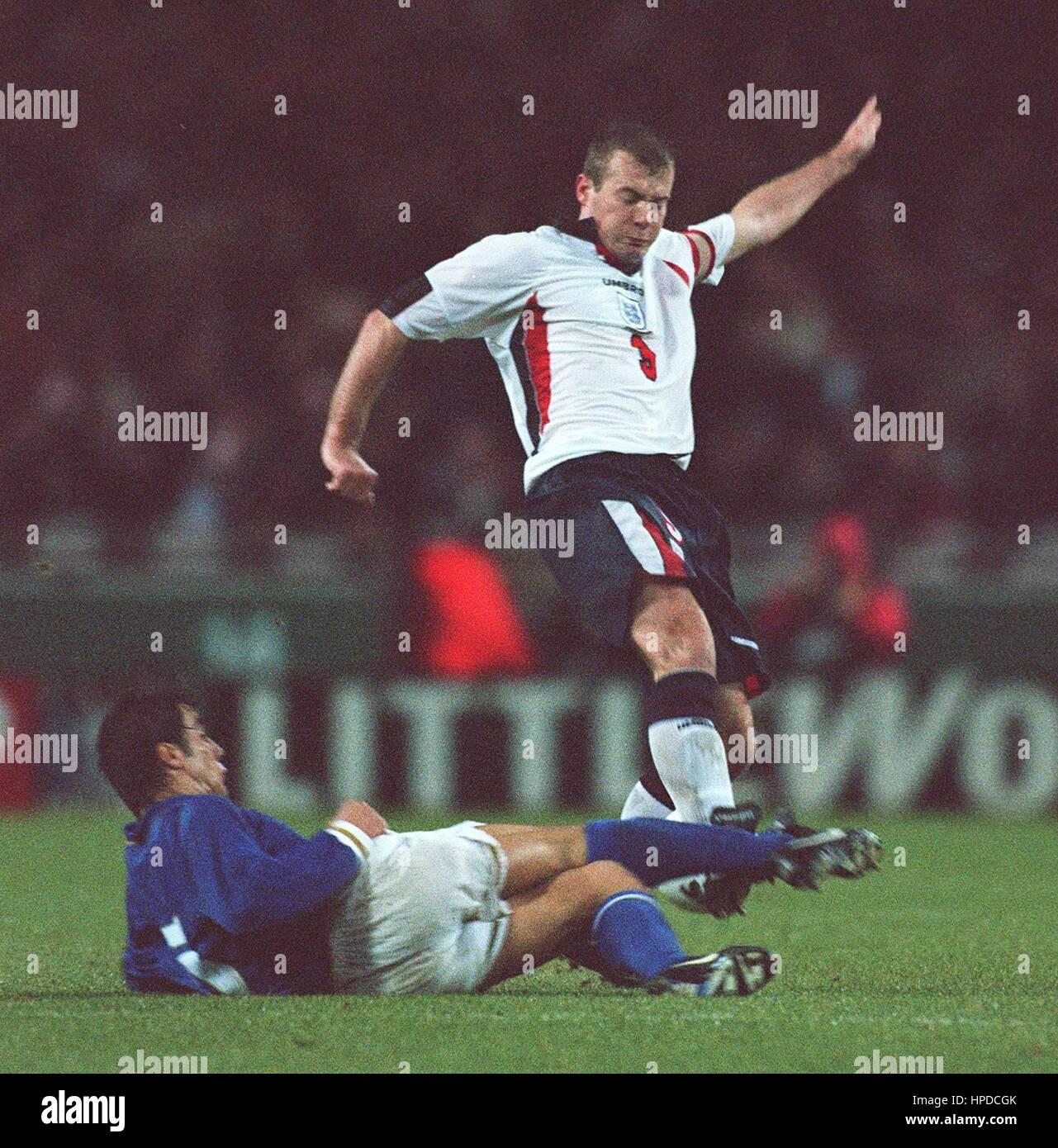 Cannavaro Shearer'ı durdururken (Kaynak: Alamy)