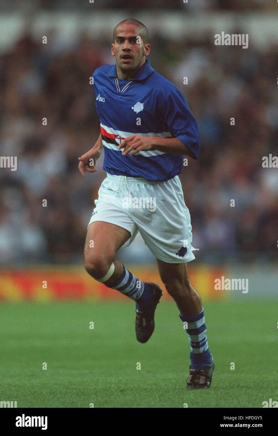 JUAN SEBASTIAN VERON SAMPDORIA FC 05 August 1997 Stock