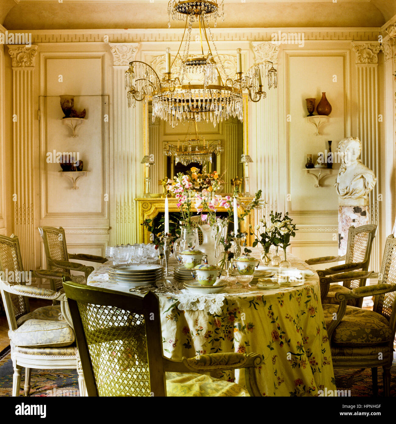 A Lavishly Furnished Victorian Style Dining Room. Part 94