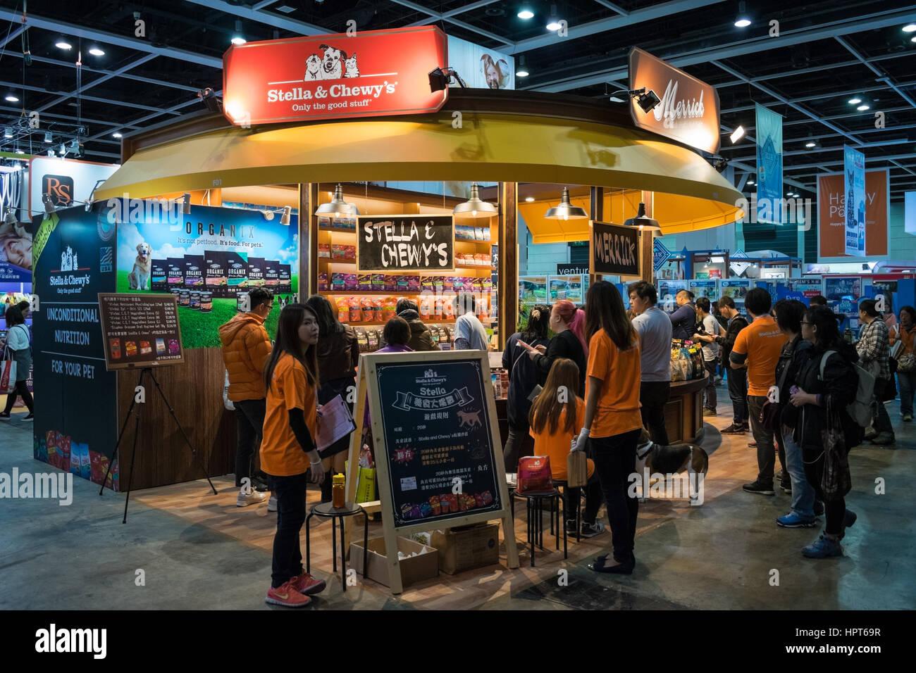Exhibition Booth Rental Hong Kong : Customers buying pet food at expo booths hong kong
