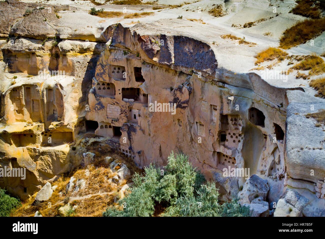 Troglodyte architecture cavusin cappadocia turkey stock for Architecture troglodyte