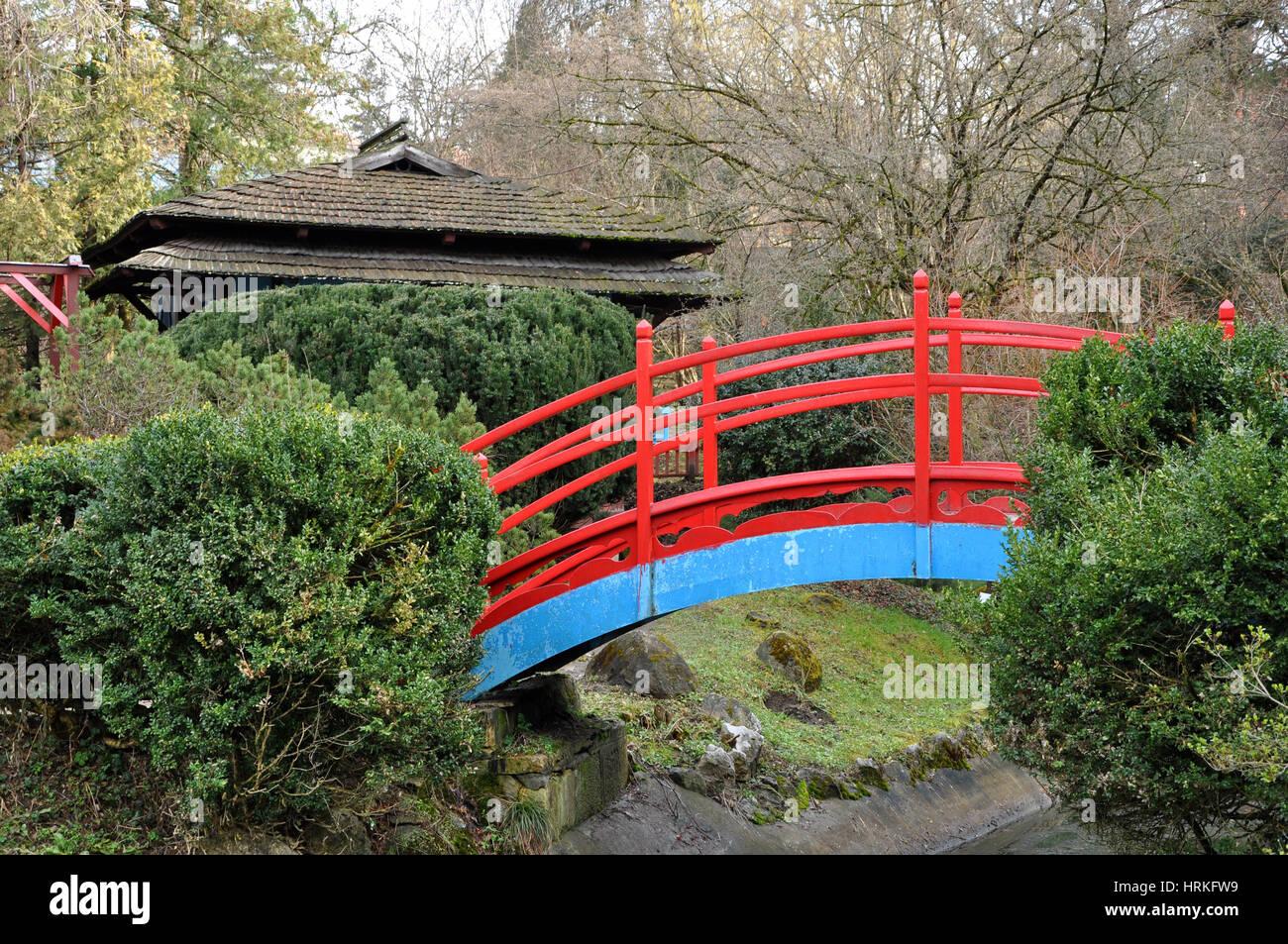 Red Japanese Garden Bridge red japanese bridge stock photo, royalty free image: 135039221 - alamy